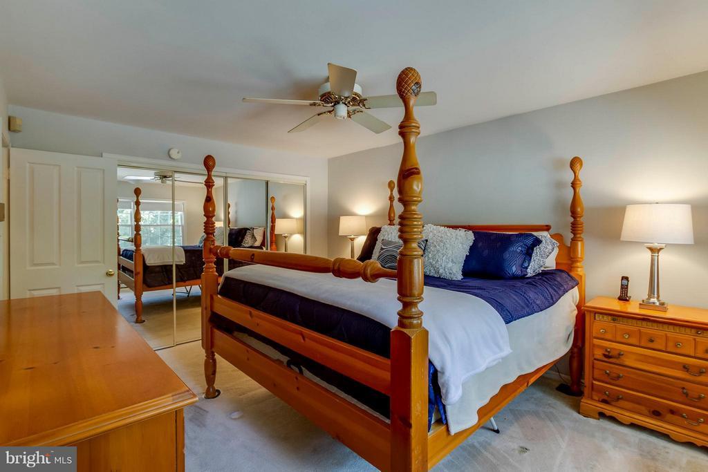 Bedroom (Master) - 1107 MAPLE AVE, STERLING