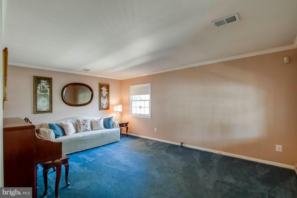 Living Room - 1107 MAPLE AVE, STERLING