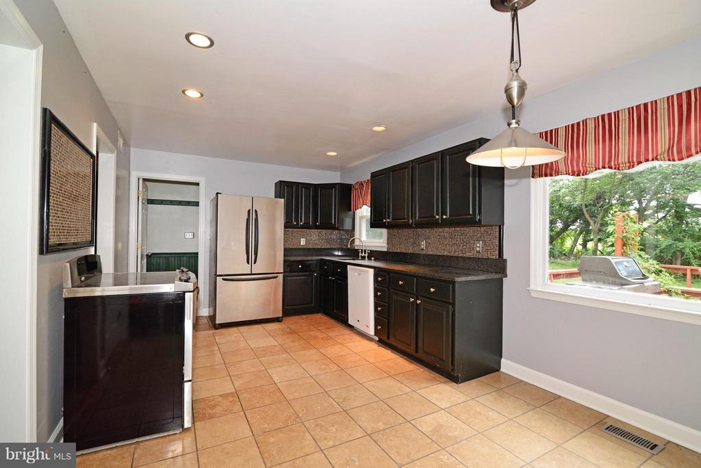 Kitchen - 42441 LUCKETTS RD, LEESBURG
