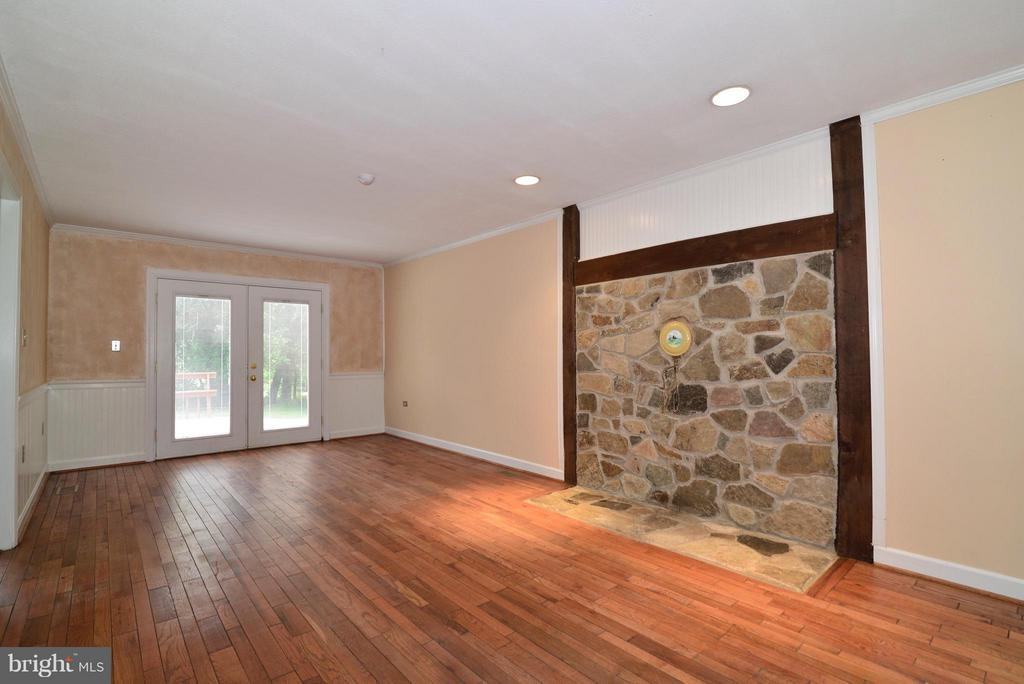 Family Room - 42441 LUCKETTS RD, LEESBURG