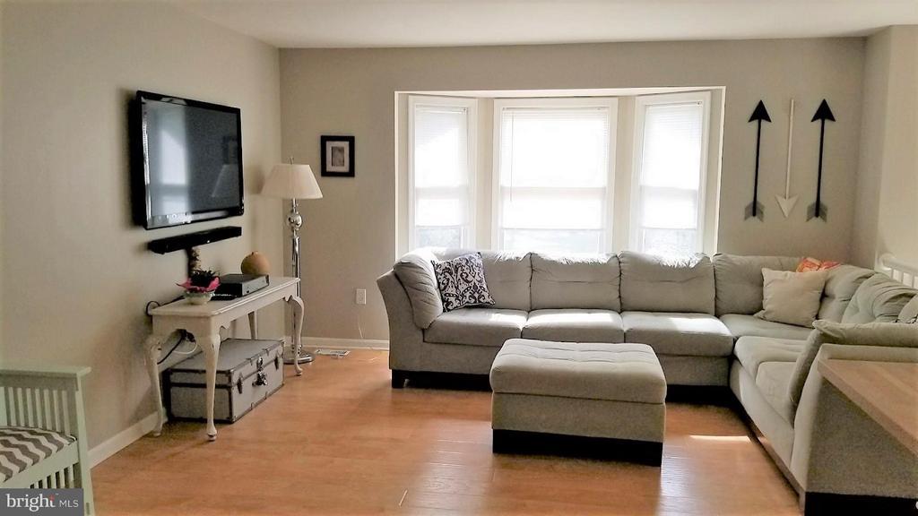 Living Room - 12811 PLANTATION DR, SPOTSYLVANIA