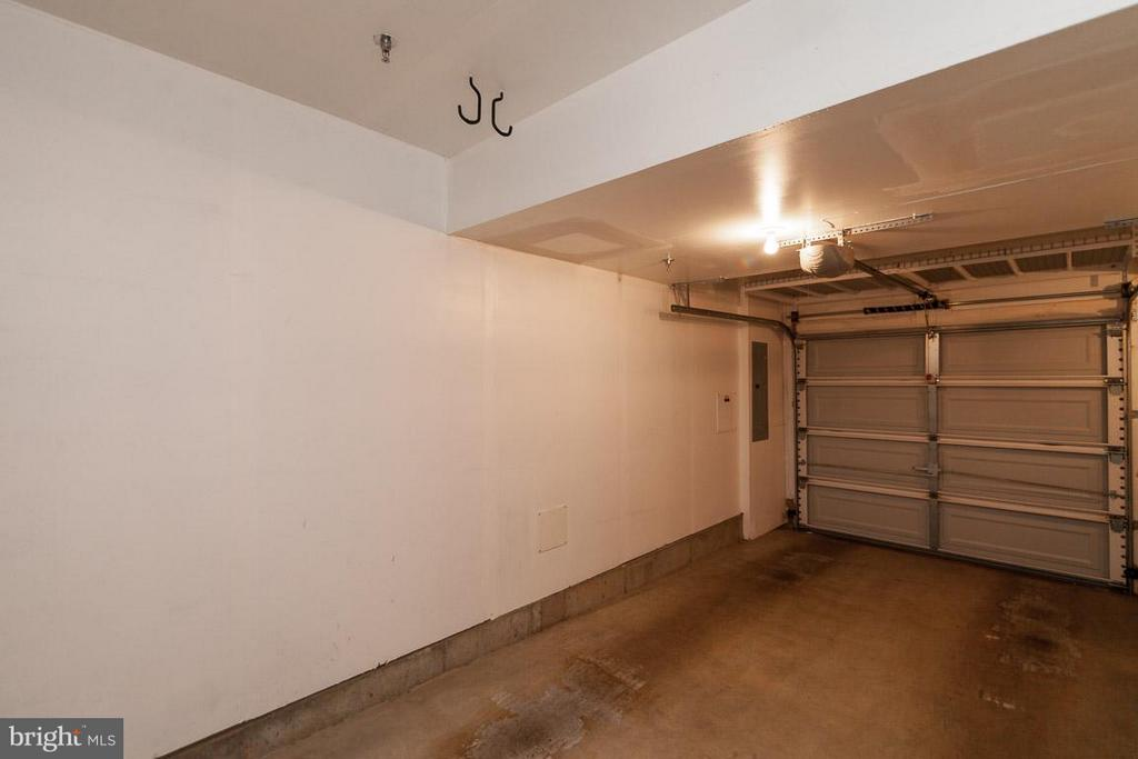 One Car Garage - 3102 CHANCELLORS WAY NE, WASHINGTON
