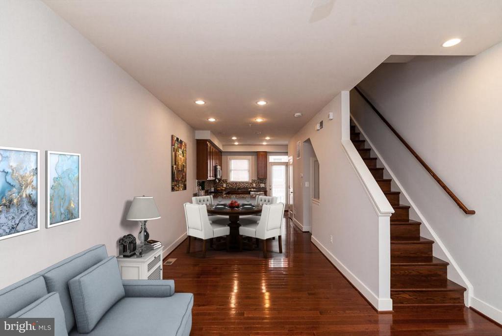 Living Room - 3102 CHANCELLORS WAY NE, WASHINGTON