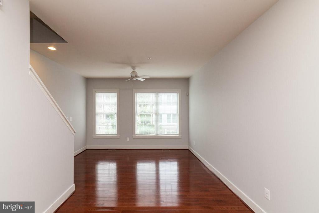 Living Room w/ gleaming hardwoods - 3102 CHANCELLORS WAY NE, WASHINGTON