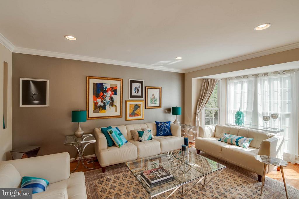 Living Room - 1518 SUMMERSET PL, HERNDON