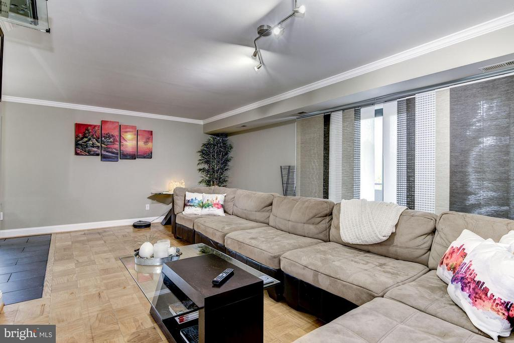 Hardwood Floors and Tile Floors Throughout - 3101 MANCHESTER ST #516, FALLS CHURCH
