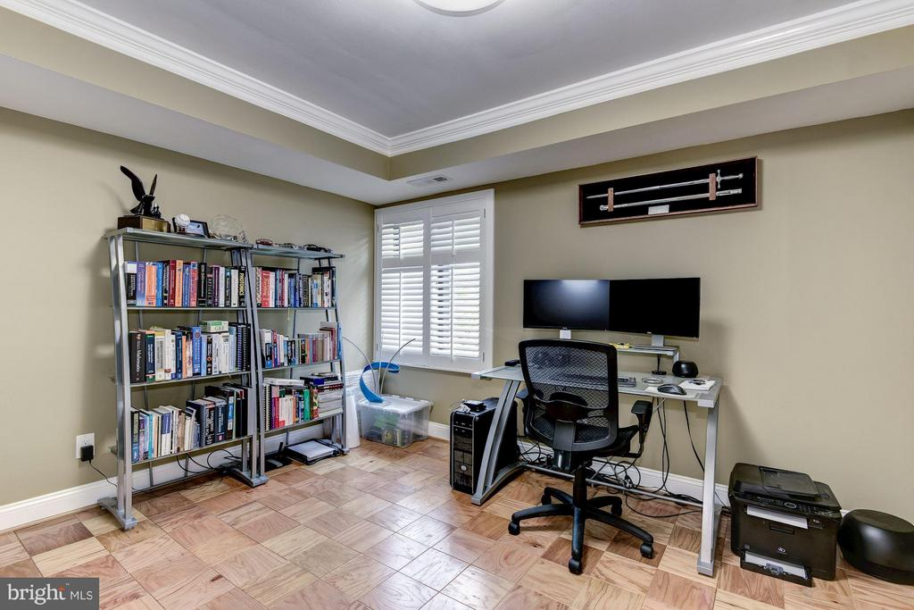 2nd Bedroom w/ Custom Closet and Hardwood Floors - 3101 MANCHESTER ST #516, FALLS CHURCH