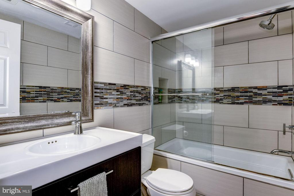 Completely Renovated 2nd Bathroom - 3101 MANCHESTER ST #516, FALLS CHURCH
