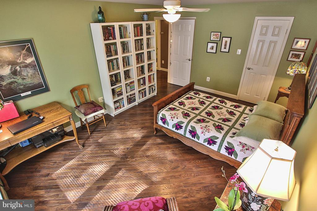 Look at those gorgeous floors! - 1435 CHURCH HILL PL #1435, RESTON