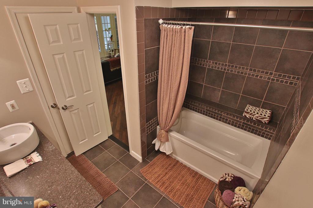 Renovated bath with custom tile &  deep tub - 1435 CHURCH HILL PL #1435, RESTON