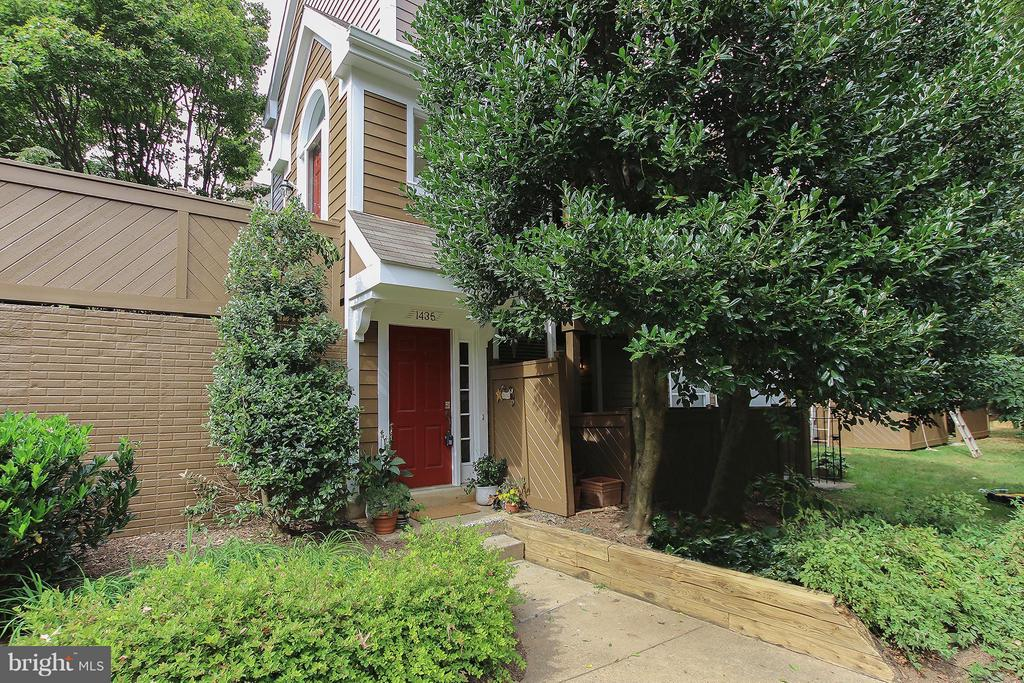Welcome to your new home! - 1435 CHURCH HILL PL #1435, RESTON