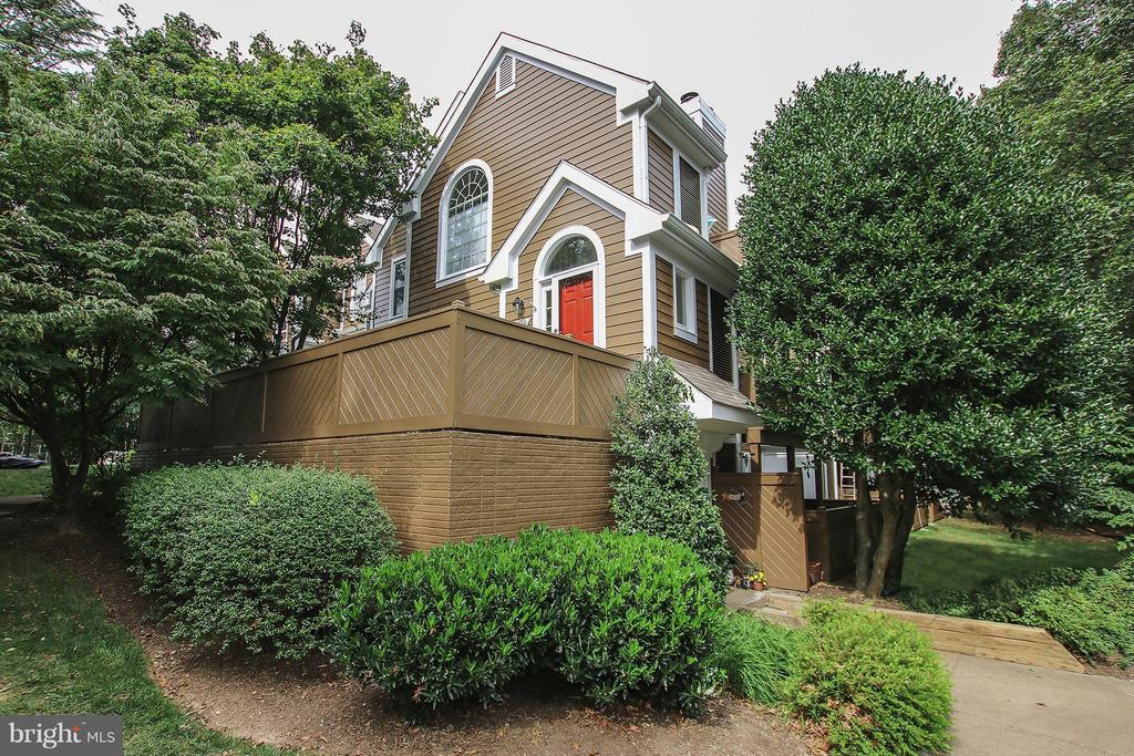 Well established community with mature trees. - 1435 CHURCH HILL PL #1435, RESTON