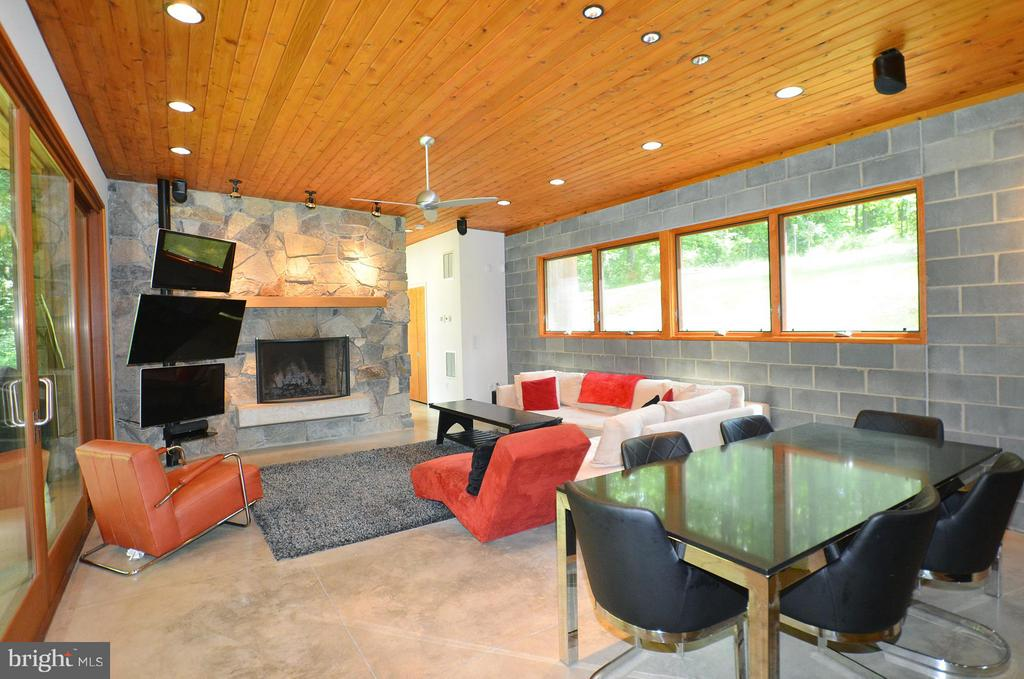 Family Room with Wood Burning Fireplace - 19252 MOUNTAIN SPRING LN, LEESBURG