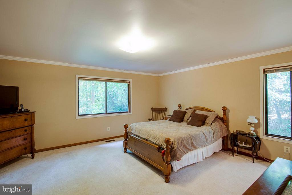 Bedroom (Master) - 8116 KING ARTHURS CT, MANASSAS