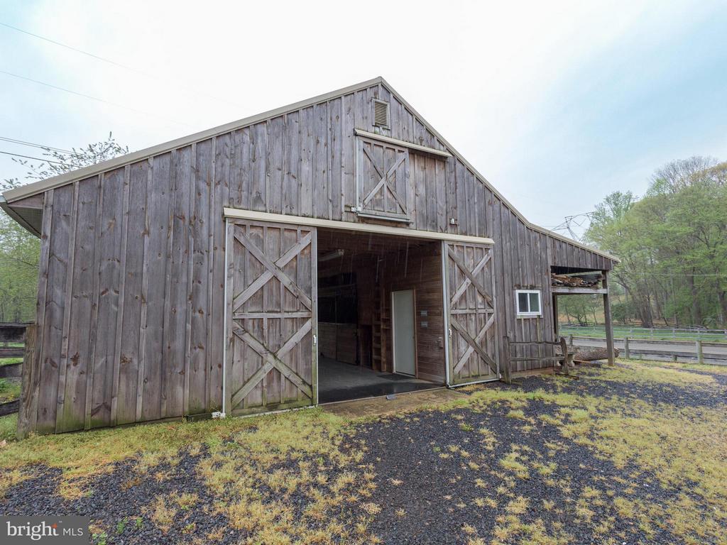 Barn - 11728 AMKIN DR, CLIFTON