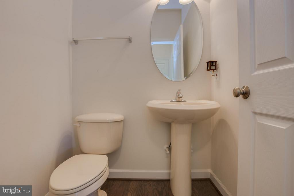 Powder Room on Main Level - 20 WHISTLER WAY, STAFFORD