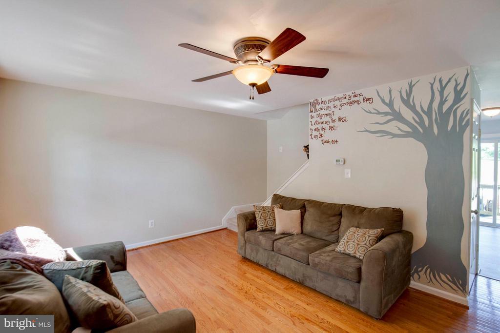 Living Room - 15 PENDLETON CT S, FREDERICK