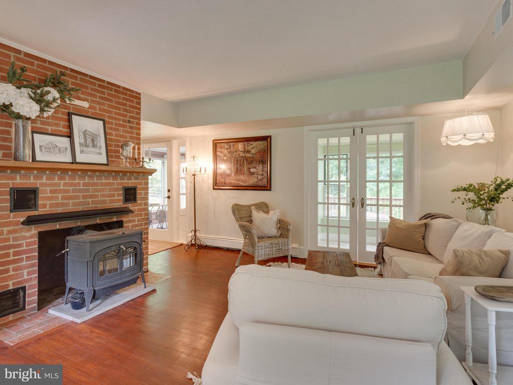 Living Room - 7424 CLIFTON RD, CLIFTON