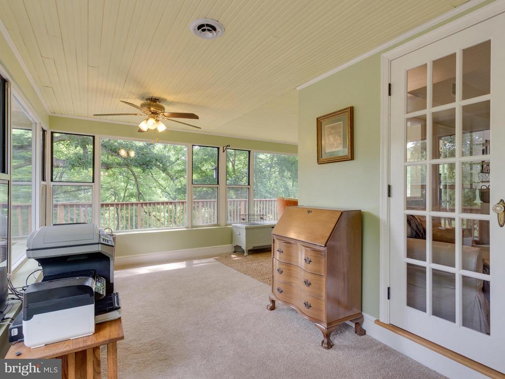 Enclosed porch - 7424 CLIFTON RD, CLIFTON