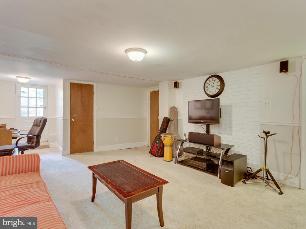 Recreation room - 7424 CLIFTON RD, CLIFTON
