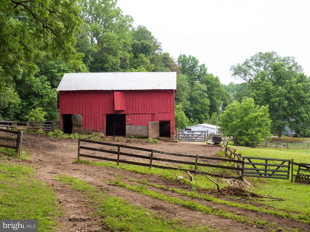 Barn - 7424 CLIFTON RD, CLIFTON