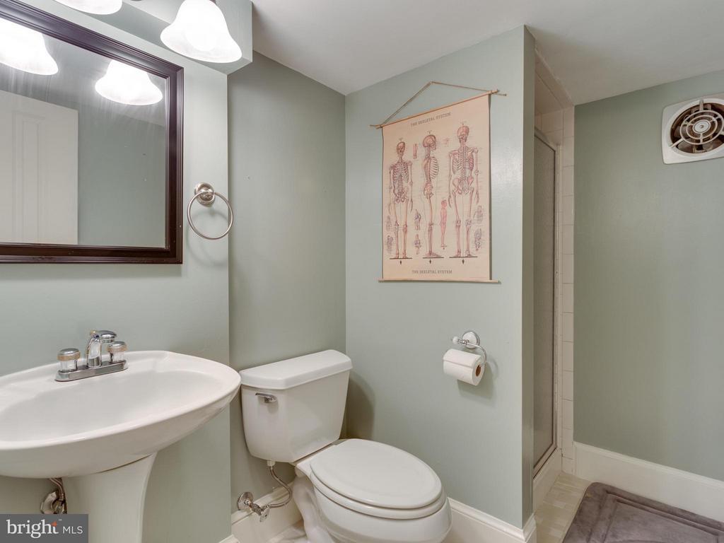 bath - 7424 CLIFTON RD, CLIFTON
