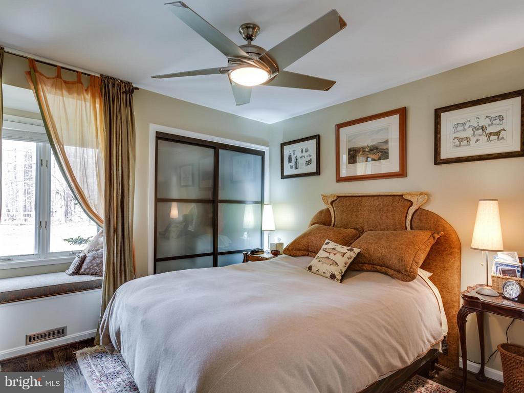 Bedroom 3 - 7607 WILLOWBROOK RD, FAIRFAX STATION