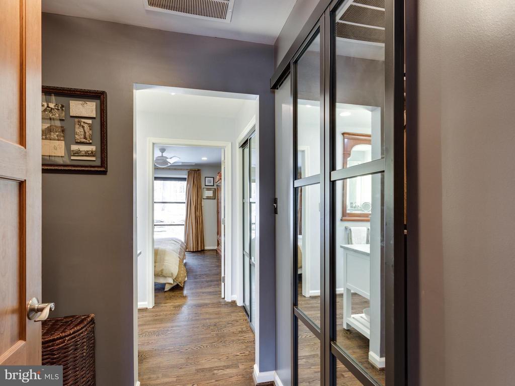Bedroom (Master) Entrance - 7607 WILLOWBROOK RD, FAIRFAX STATION
