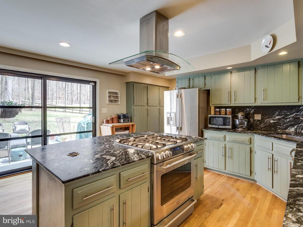 Kitchen - 7607 WILLOWBROOK RD, FAIRFAX STATION