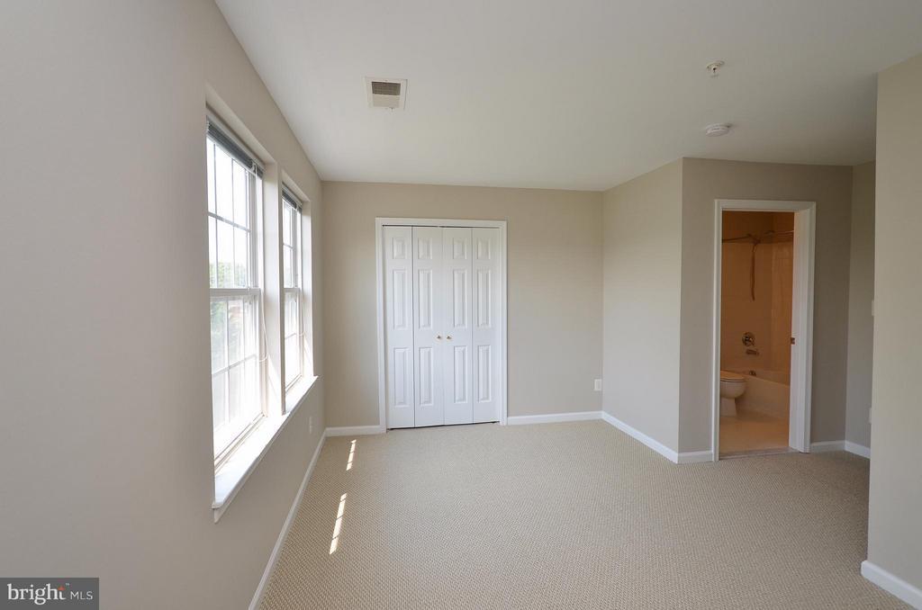 Fourth Floor Bedroom #3 with full bath - 3502 ELLERY CIR, FALLS CHURCH