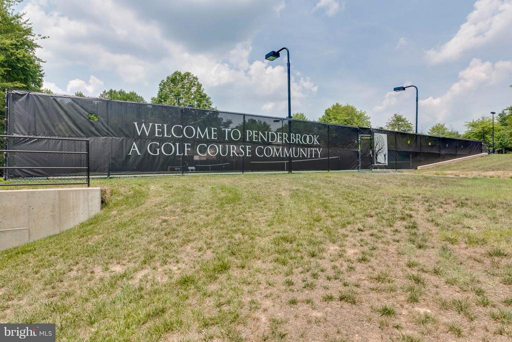 More than just a place to live...it's a lifestyle - 3912 PENDERVIEW DR #537, FAIRFAX