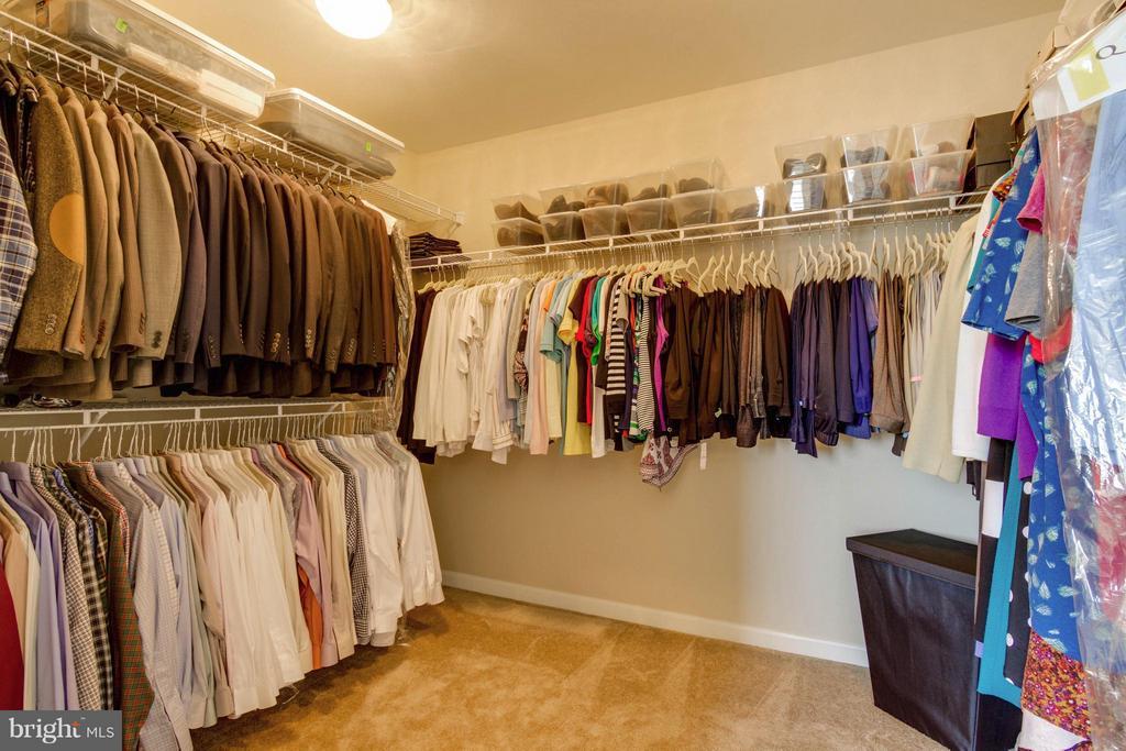 Bedroom (Master) Walk-in Closet - 5919 HUNTER CREST RD, WOODBRIDGE