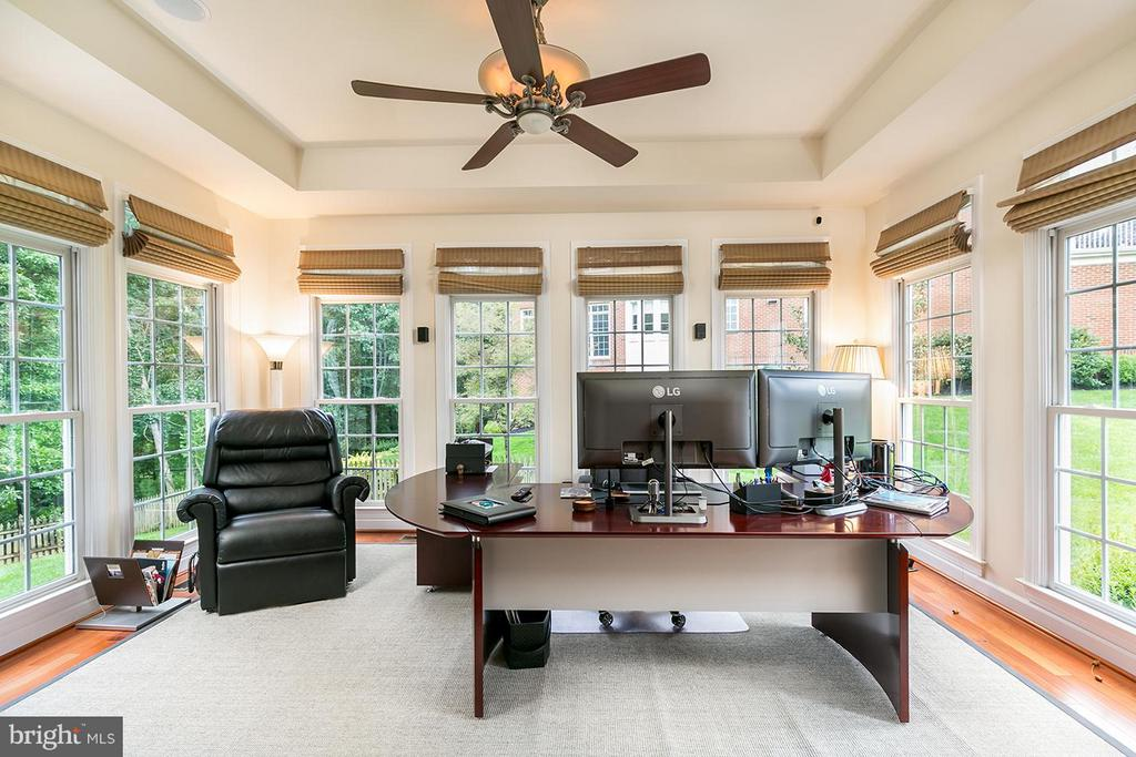 Huiome office in bump out. - 43288 OVERVIEW PL, LEESBURG