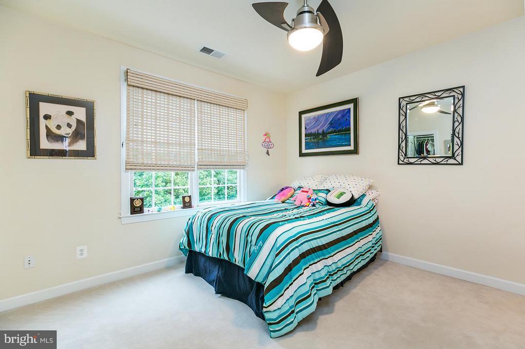 Three extra upper level bedrooms. - 43288 OVERVIEW PL, LEESBURG