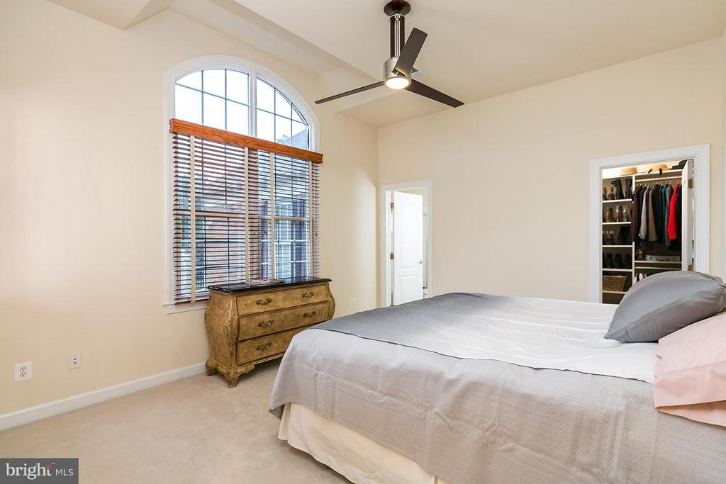 Each with fan and walk-in closet. - 43288 OVERVIEW PL, LEESBURG