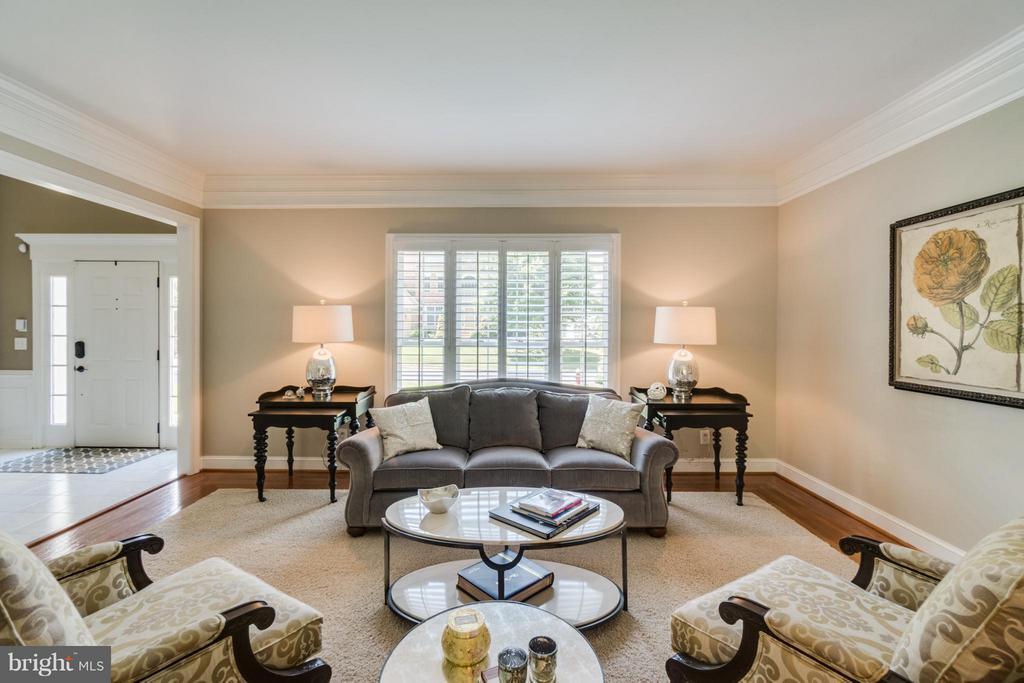 Living Room - 47572 COMPTON CIR, STERLING