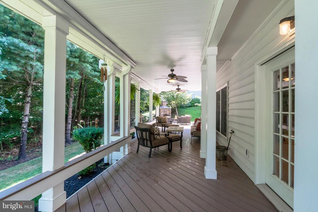 Lower Level Deck - 47572 COMPTON CIR, STERLING