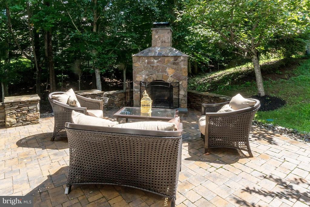Stamped Concrete Patio with Fireplace - 47572 COMPTON CIR, STERLING