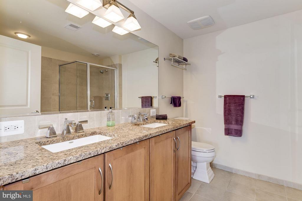 Double Vanity - 888 QUINCY ST #1212, ARLINGTON