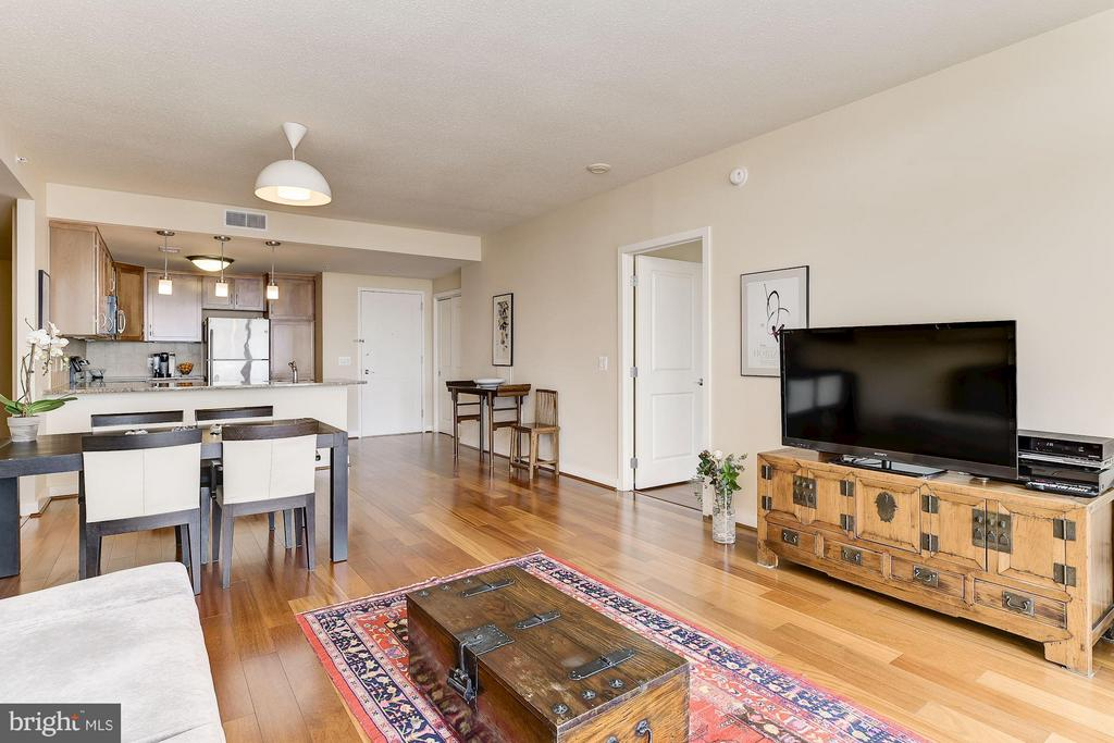 Hardwood Floors Throughout - 888 QUINCY ST #1212, ARLINGTON
