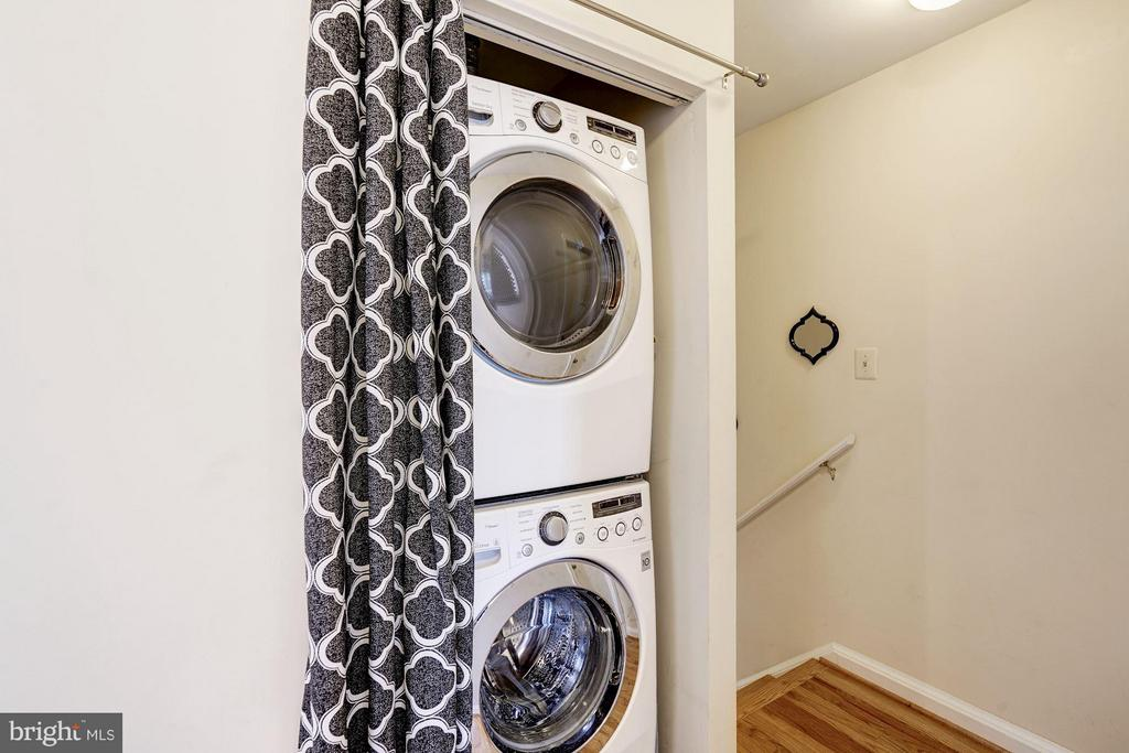 Full Size Washer/Dryer - 1109 VERNON ST, ARLINGTON