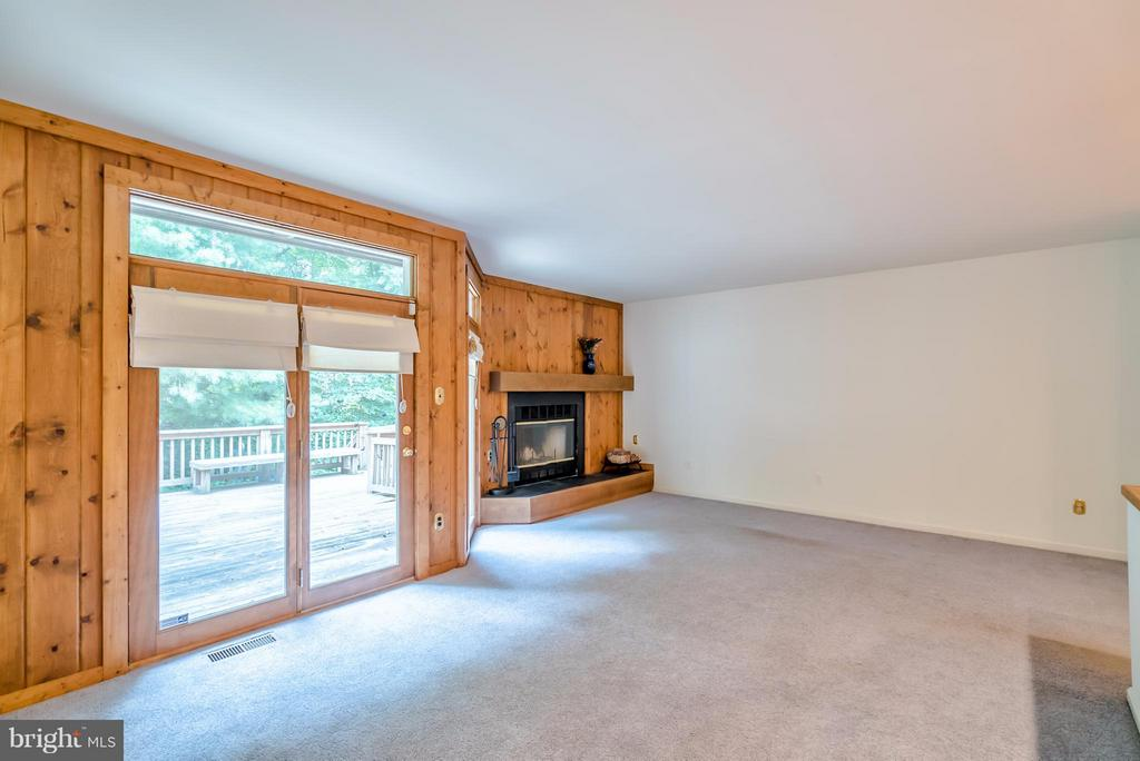 Lots of Natural Light & View of Woods - 4021 LAKE GLEN RD, FAIRFAX