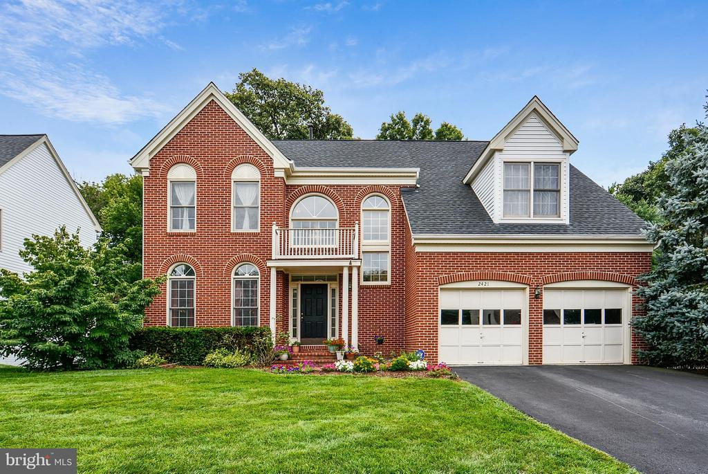 Exterior (Front) - 2421 MILL HEIGHTS DR, HERNDON