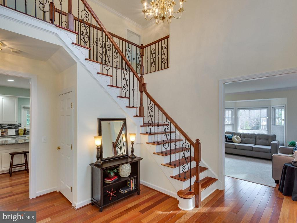 front foyer to living room - 4887 ANNAMOHR DR, FAIRFAX