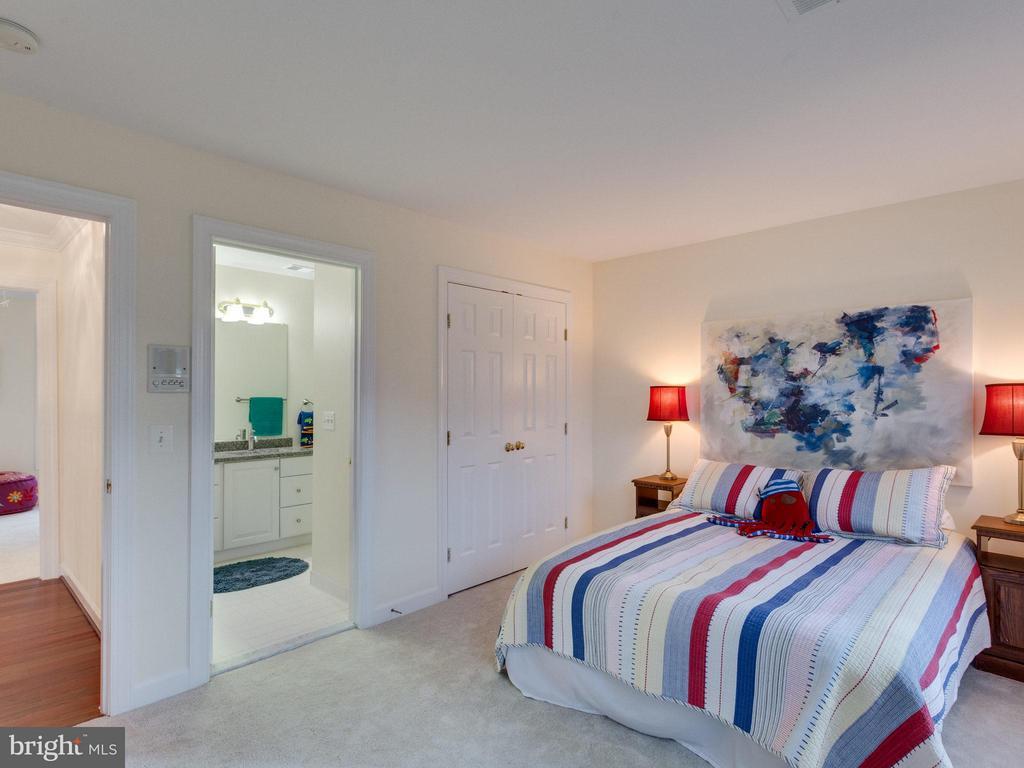 Bedroom 2 - 4887 ANNAMOHR DR, FAIRFAX