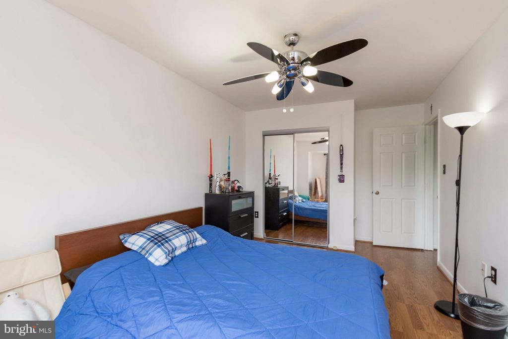 Second Bedroom - 14089 GERALDINE CT, WOODBRIDGE