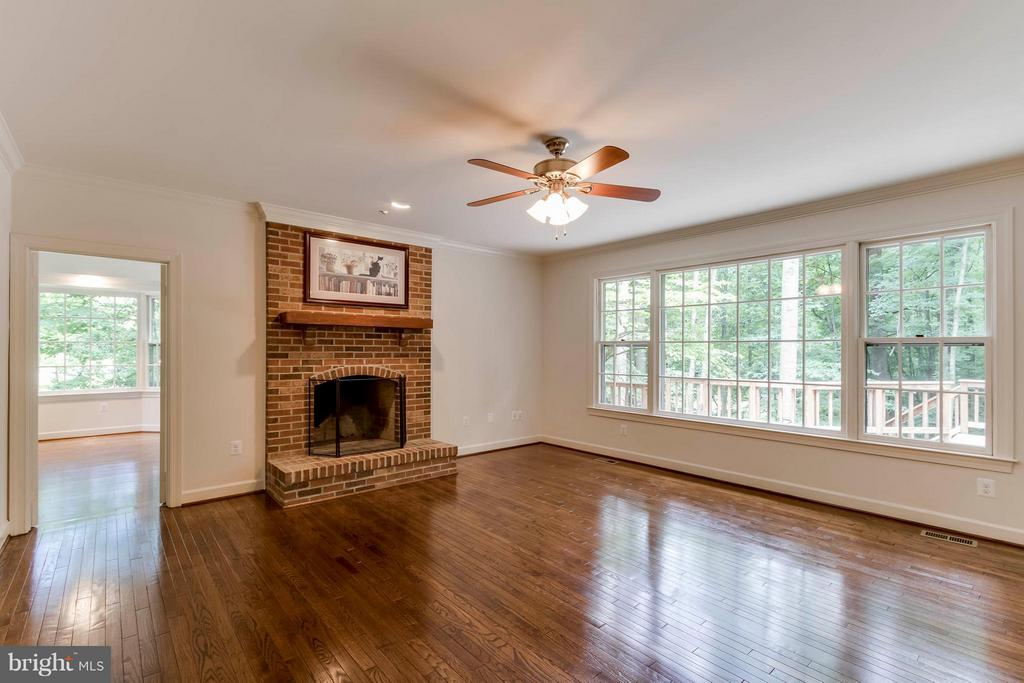 Family Room - 7111 LAKETREE DR, FAIRFAX STATION