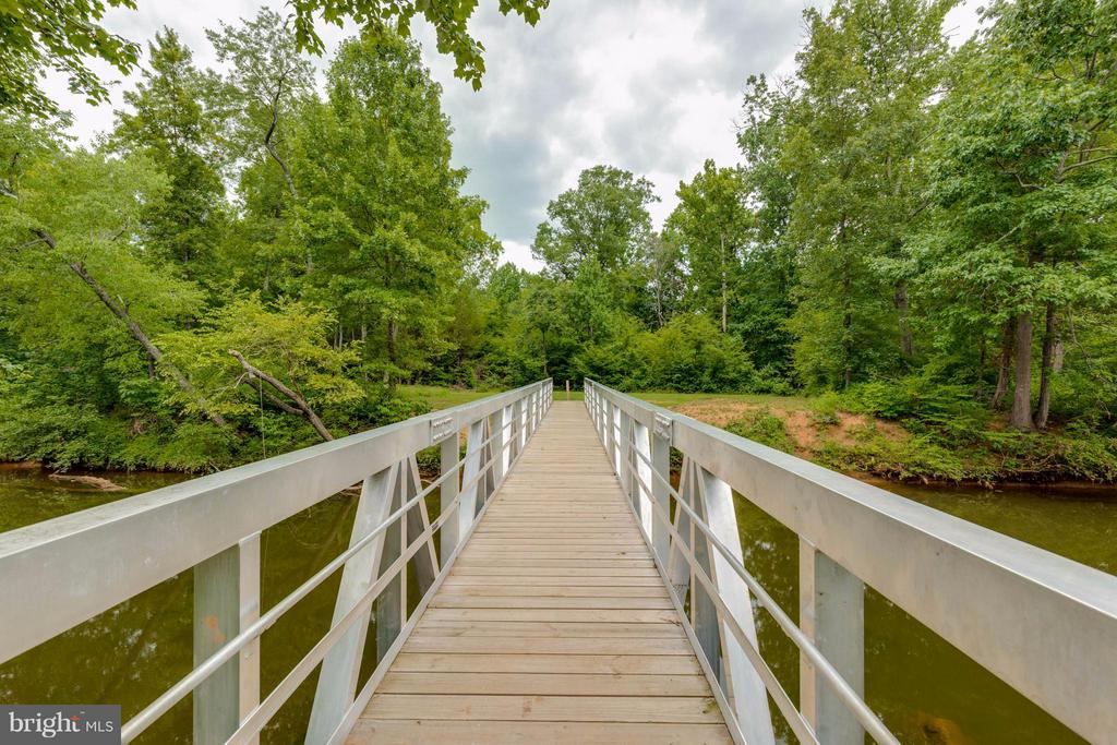 Bridge over Broad Run connects 8 miles of trails - 9745 CRAIGHILL DR, BRISTOW