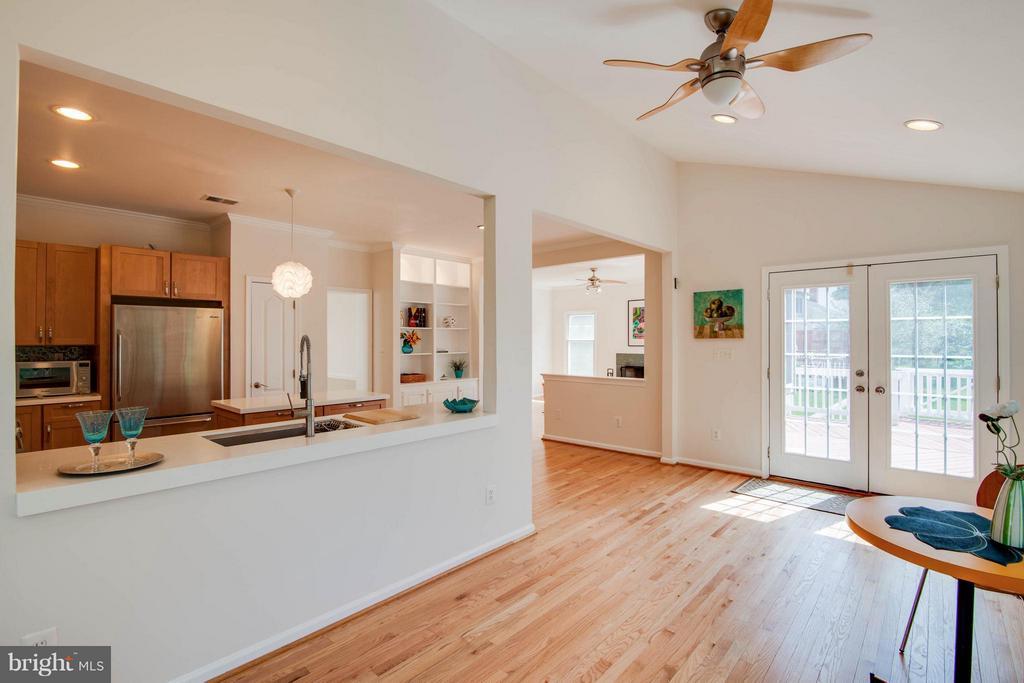 Sunroom into Kitchen - 10802 CRIPPEN VALE CT, RESTON