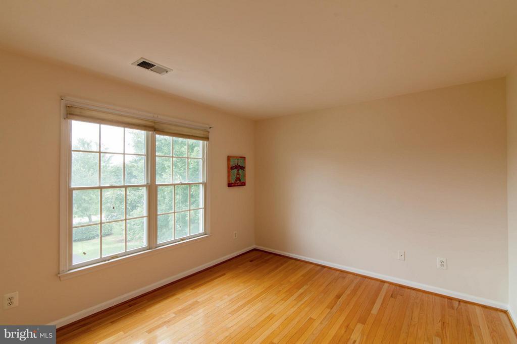 Bedroom #4 - 10802 CRIPPEN VALE CT, RESTON